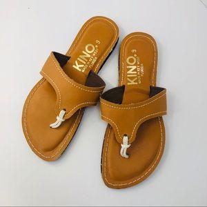 NWOT Kino Key West Lily sandal